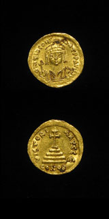 Byzantine Gold Coin of Emperor Tiberius II Constantine