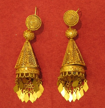 Ottoman Pair of Gold Earrings