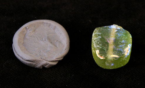 Persian Period Glass Intaglio Gem Seal