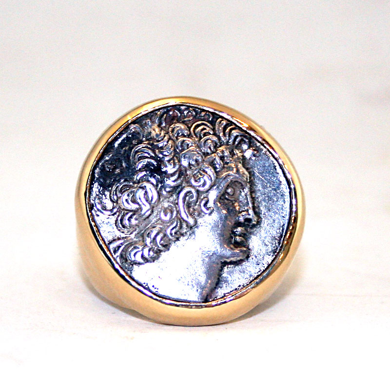 Gold Ring Featuring a Silver Tetradrachm of King Ptolmey XII