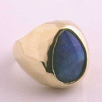 Opal Set in a 18k Gold Ring