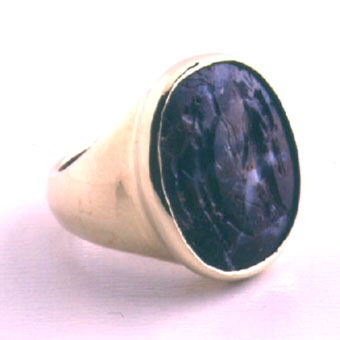 Gold Ring Featuring a Roman Jasper Intaglio Depicting Fortuna and Hermes