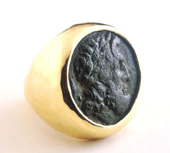 Gold Ring Featuring a Bronze Coin of the City of Syracuse