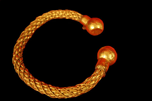 Bactrian Gold Braclet