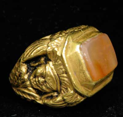 Carnelian Set in Decorative Gold Ring