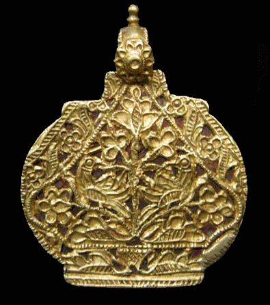 Gold Filigree Pendant with Bird Motifs