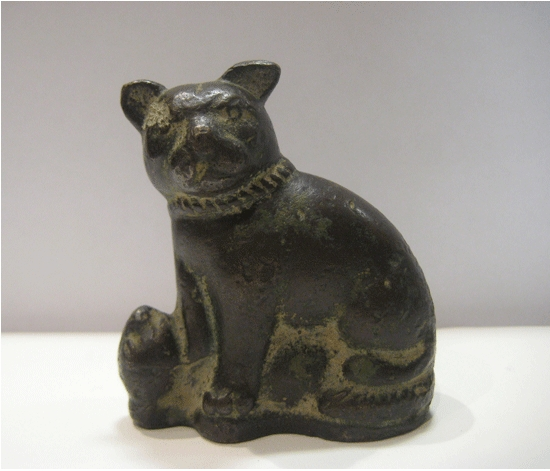 Roman period bronze figurine of a cat and mouse