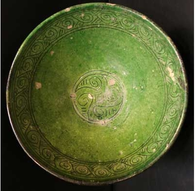 Green Glazed Incise Decorated Bowl