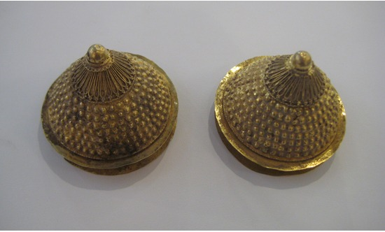 A Pair of Gold Earspools