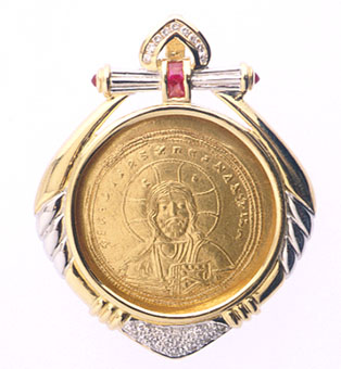 18 Karat Gold Pendant with a Gold Coin of Emperor Constantine  IX Monomachus
