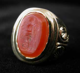 Gold Ring with Roman Carnelian Intaglio of Victory