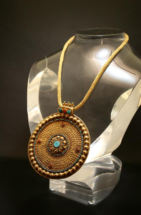 Ottoman Gold Necklace with Inlaid Pendant