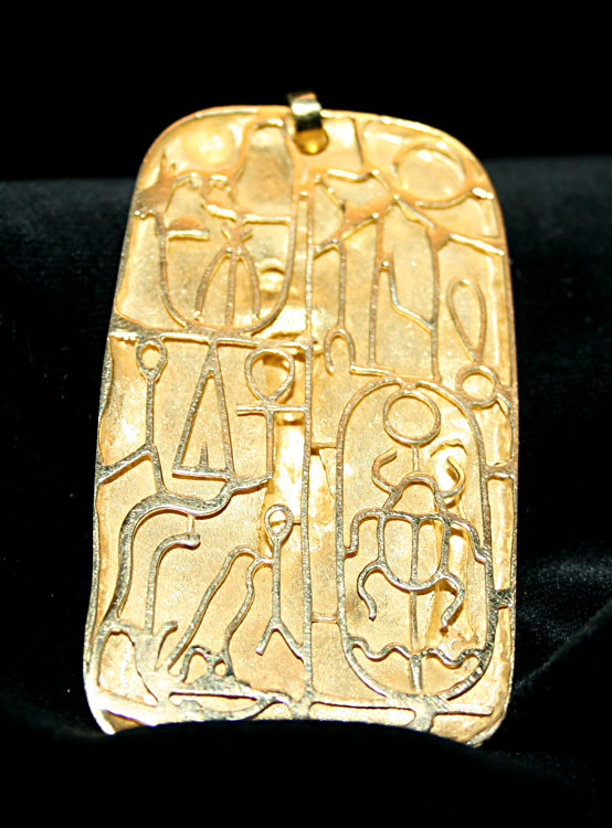 Gold Pendant Featuring an Egyptian Scene