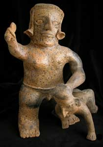 Ameca-Ezatlán Style Jalisco Terracotta Sculpture of a Warrior and Captive