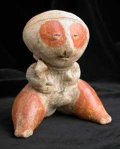 Chinesco Style (Type C) Nayarit Terracotta Sculpture of a Seated Mother with Child